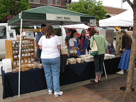 Des Moines Downtown Farmer's Market, May 12, 2007