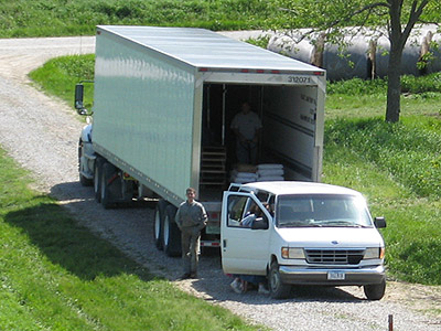 Loading the UNFI coop truck, May 2007